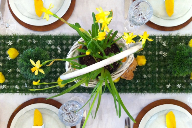 easter table above