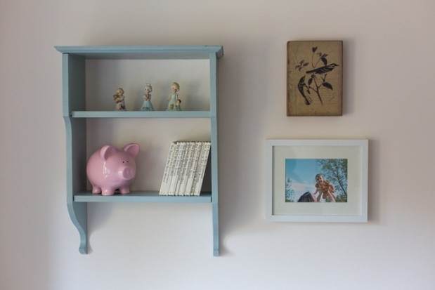 DIY Painted Hanging Wooden Shelf_0007