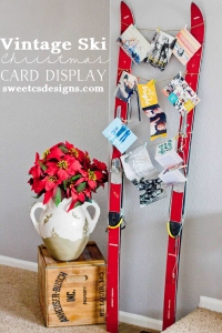 Vintage-Ski-Christmas-Card-Display-such-a-fun-and-unique-way-to-display-Christmas-Cards