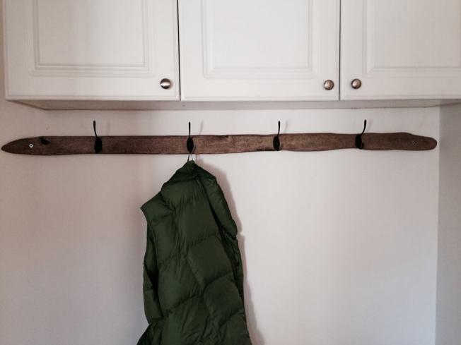 coat hanger3