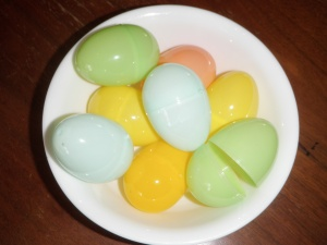 cheap plastic eggs