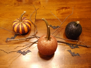 Finished pumpkins! I have them sitting on my counter but they would also make a beautiful centrepiece or look gorgeous on the mantle.